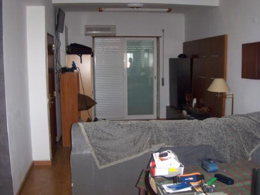 L'appartement 1 âne, avec Soleil toute la journée,, kitchenete nouveau, WC avec 5.00 M2, la pièce/pièce 36.00 m2, le garage 18.00 M2 et Terrasse (l'Auvent) avec 55.00 M2. POUR PLUS D'INFORMATIONS LE TELEPHONE POUR nº 212 900 052/968 943 876/916 173 466